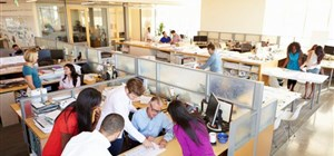 Back to the Office Grind? How Digital Wayfinding Can Help Boost Employee Engagement